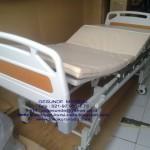 3 crank tempat tidur rumah sakit