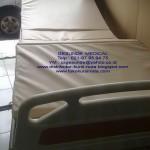 Tempat tidur rumah sakit 3 crank manual